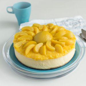 Cheesecake com Doce de Pêssego e Flor de Laranjeira