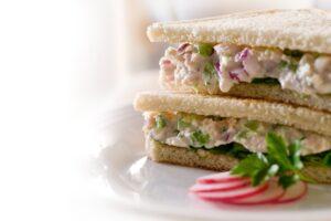 Sanduíche de Atum com Molho Béarnaise